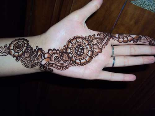 Latest-Mehndi-Designs-For-Eid-2018-Daytimes-27